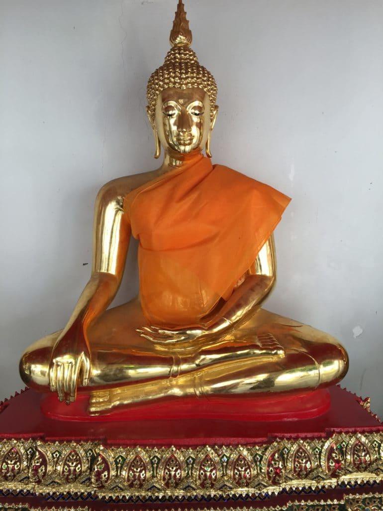 Wat Pho  Bangkok statue